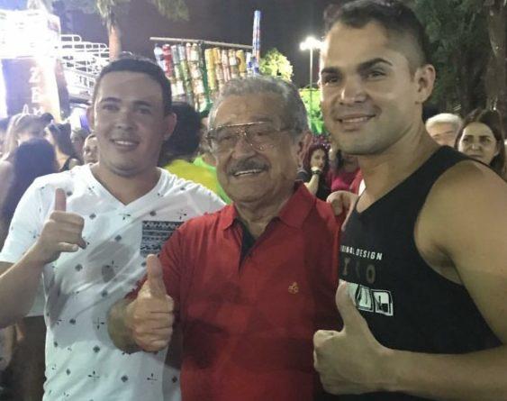 Screenshot 20180208 093323 e1518095004731 - CARNAVALESCO: senador Maranhão desce Avenida seguindo trio nas Muriçocas do Miramar