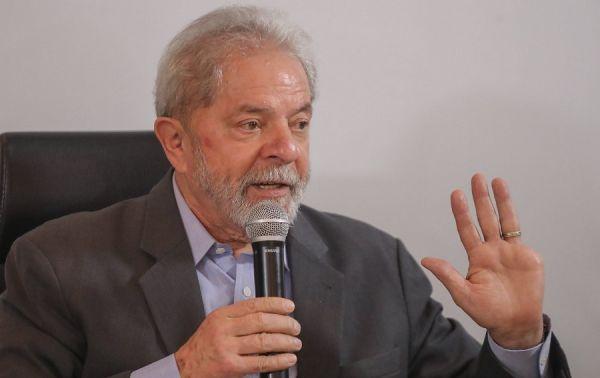 b 600 0 16777215 00 images 2018 02 21 lula em coletiva rep facebook - Defesa de Lula pede para ser avisada sobre data de julgamento de recurso