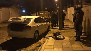 carrp apreendido explosao joao pessoa2 300x169 - VEJA VÍDEO: Bandidos explodem agência da Caixa Econômica de Jaguaribe