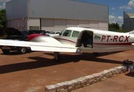 AIR COCA: Piloto é preso com 150 quilos de cocaína dentro de avião