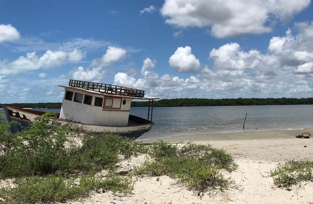 corpo encontrado em costinha - Corpo é encontrado com corda amarrada ao pescoço na praia de Costinha, PB