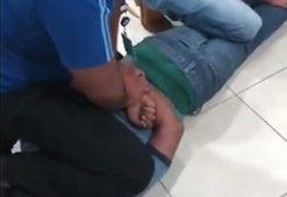Homem é atropelado, tenta pedir ajuda, mas é imobilizado por seguranças e morre
