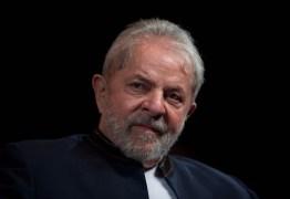 'Temer quer pegar o nicho de eleitores do Bolsonaro', diz Lula sobre intervenção no Rio