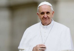 RECADO PARA O BRASIL? Papa Francisco denuncia indústria 'escandalosa' do armamento