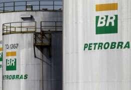 Petrobras corta preço da gasolina em 3% nas refinarias