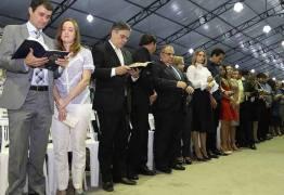 Rômulo é homenageado na abertura da 20ª Edição do Consciência Cristã em Campina Grande