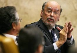 Ex-presidente do STF se une a equipe de defesa de Lula