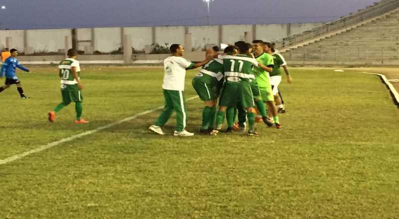 De treinador novo, Serrano recebe o América-PE pelo Grupo A6