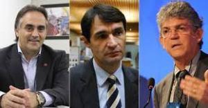 trio  300x156 - O TRIPLO FICO: Ricardo, Cartaxo e Romero não renunciam - Por Rui Galdino