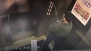 xblog elevador.jpg.pagespeed.ic .FfwTd0kIgq 300x169 - VEJA VÍDEO:  Adolescente urina em painel de elevador, provoca pane e fica preso