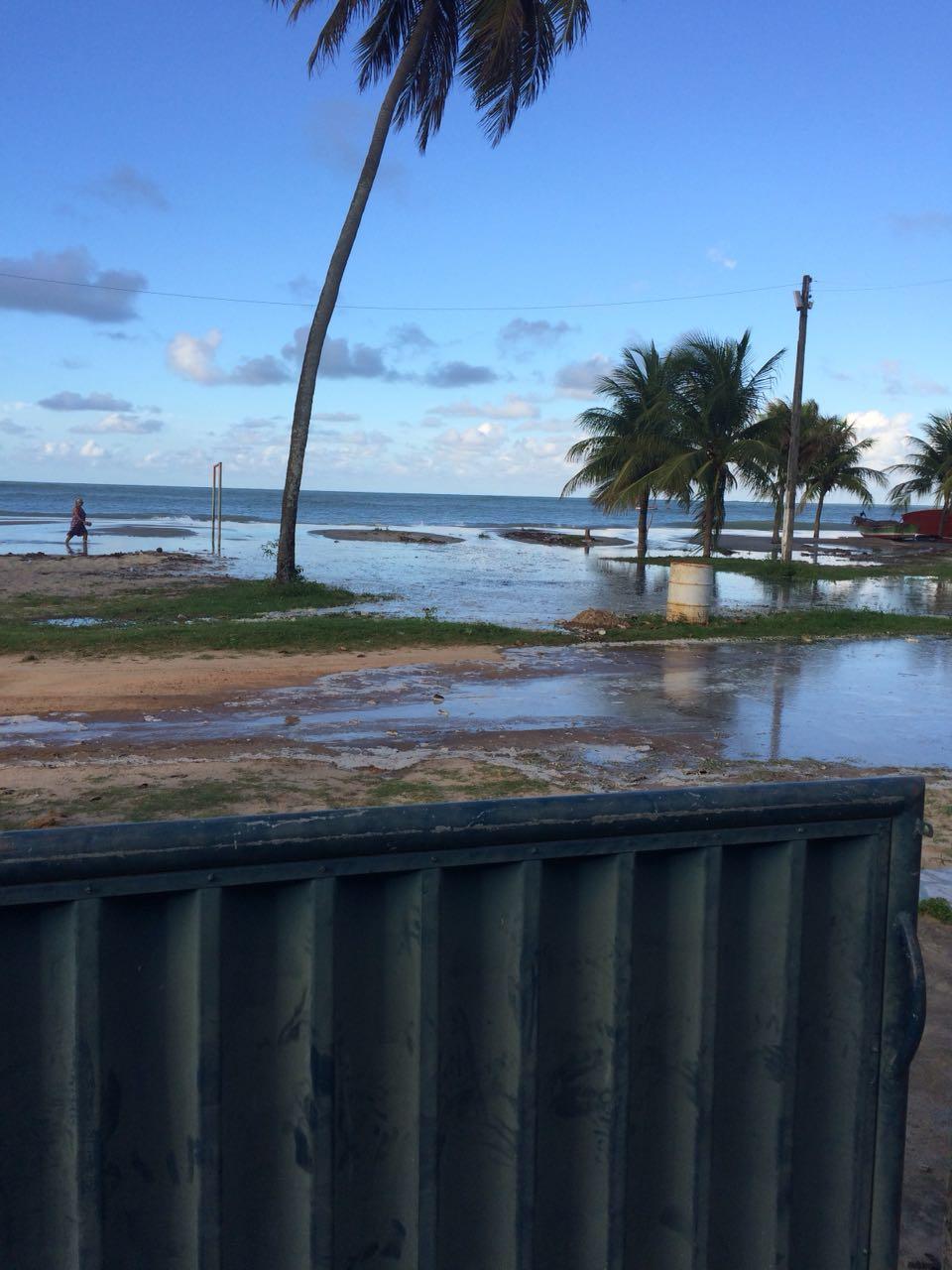 17258adb 8c13 4626 ac77 dc5c71612215 - VEJA VÍDEOS: Ressaca causa inundações nas praias de Tambaú e Cabo Branco