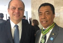 Deputado Federal Damião Feliciano recebe medalha de Ordem do Mérito Médico