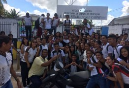 VEJA VÍDEO: Demissão de diretora gera comoção e alunos de escola fazem campanha pelo retorno da profissional