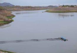 VEJA VÍDEO: Aesa testa abertura das comportas do açude de Boqueirão para Acauã