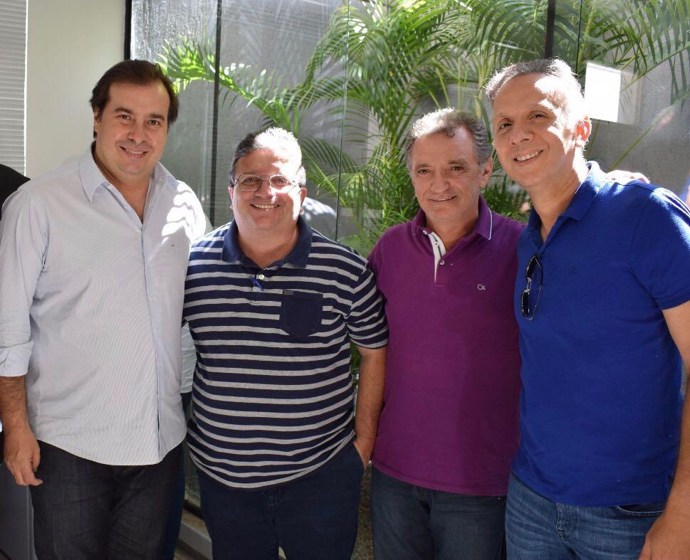 aga6 - Aguinaldo Ribeiro e Galego Souza são recepcionados por lideranças políticas em São Bento e Catolé do Rocha; VEJA FOTOS