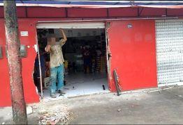 Quadrilha utiliza carro para arrombar lojas no interior da PB