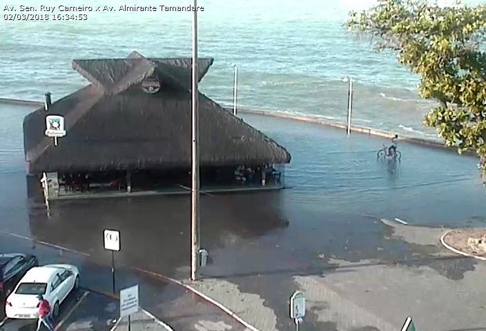 b05853d7 5e68 4aa4 a912 18ff33b5cb10 - VEJA VÍDEOS: Ressaca causa inundações nas praias de Tambaú e Cabo Branco