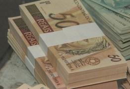 Polícia descobre 'fábrica' de dinheiro em casa e prende 2