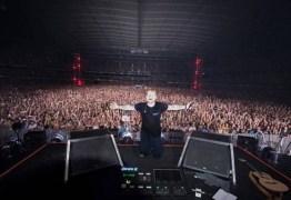 Fãs de Ed Sheeran se revoltam após dezenas desmaiarem em show na Austrália