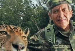 General Heleno compara armas a carros e afirma esperar que Bolsonaro facilite posse