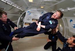 'Continue voando como o Super-Homem', diz Nasa em homenagem a Hawking
