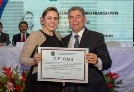 TUDO DOMINADO: Mulher de prefeito de Cabedelo assume a Câmara; renda da família ultrapassa R$50 mil