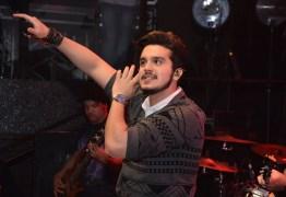 Novo visual de Luan Santana deixa os fãs chocados