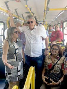 ricardo coutinho ônibus 226x300 - Governador prestigia entrega de novos ônibus em Bayeux