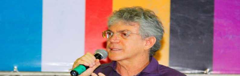 ricardo sai o u fica e1522439092340 - PANE: Avião de Ricardo Coutinho enfrenta problemas e faz pouso forçado
