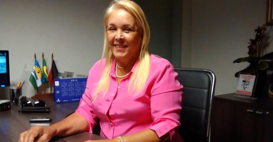 tatiana lundgren - Ex-prefeita de Conde é presa acusada de lavagem de dinheiro e levada para a sede do GOE
