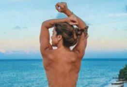 Blogueira paraibana Nara Marques faz topless e desabafa no Instagram