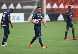 Julio Cesar e Ederson participam de jogo-treino, e meia faz dois gols no Ninho