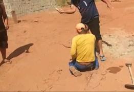 VEJA VÍDEO: Irmãos são presos após chicotear e torturar trabalhador que comeu ovos – IMAGENS FORTES