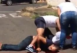 CHOCANTE: Açougueiro abre barriga de homem com a faca por conta de dívida em MG. Vídeo