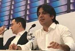Tôrres critica Cartaxo por não disputar o governo e classifica Lúcelio de 'clone que é só um estepe da oposição'; VEJA VÍDEOS