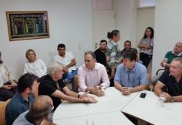 Lucélio visita Catolé do Rocha, dialoga com a população e recebe apoio de prefeito do PTB