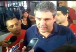 VEJA VÍDEO: 'Lula condenado por um apartamento que não é dele, é um escândalo', diz Lindbergh
