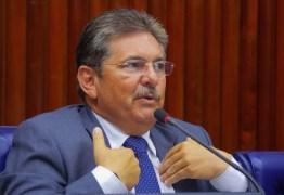 Adriano Galdino defende pré-candidatura de João Azevedo: 'tem competência para disputar o cargo'