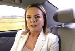 VEJA VÍDEO: 'Carros estão posicionados para soltar Lula', afirma Gleisi Hoffmann