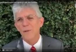 """VEJA VÍDEO: """"Lula é um preso político e o processo é duvidoso"""", diz Ricardo Coutinho em Curitiba"""