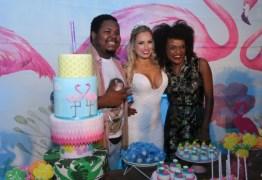 Jéssica recebe apenas três ex-BBBs em sua festa de aniversário