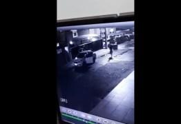 VEJA VÍDEO: Assaltante invade casa de jogador paraibano durante a madrugada da terça-feira