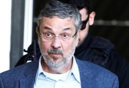 Motorista diz que Palocci pôs cerca de R$ 10 mil em notas mofadas para secar no sol