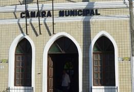 """NADA MUDA: Reunião a portas fechadas pode definir """"permanência"""" de Leto no comando da Prefeitura e da Câmara de Cabedelo; VEJA VÍDEO"""
