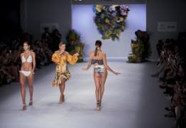Anitta leva canção de Gonzaguinha para passarela em desfile na SPFW – VEJA VÍDEO