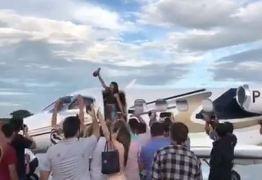 VEJA VÍDEO: Eduarda Brasil chega a Cajazeiras sob forte clamor popular