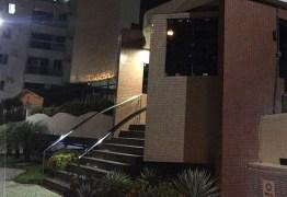 TERROR: Mulher fica presa após elevador despencar em João Pessoa