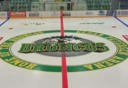 Acidente de trânsito resulta na morte de 14 jogadores de equipe de hóquei canadense