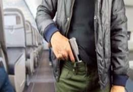 Eduardo Bolsonaro apresenta projeto que permite entrar armado em avião