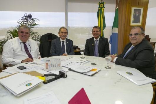 reunião lira marum - Senador Lira afirma que Exército poderá ajudar na duplicação da BR-230
